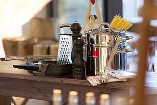 Produkte zur Essenzubereitung und diverse Küchenhelfer von Berkel, Kitchenaid, WMF und Sodastream